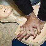 Enbart bröstkompressioner vid plötsligt hjärtstopp ökar andelen livräddande insatser och bidrar till ökad överlevnad